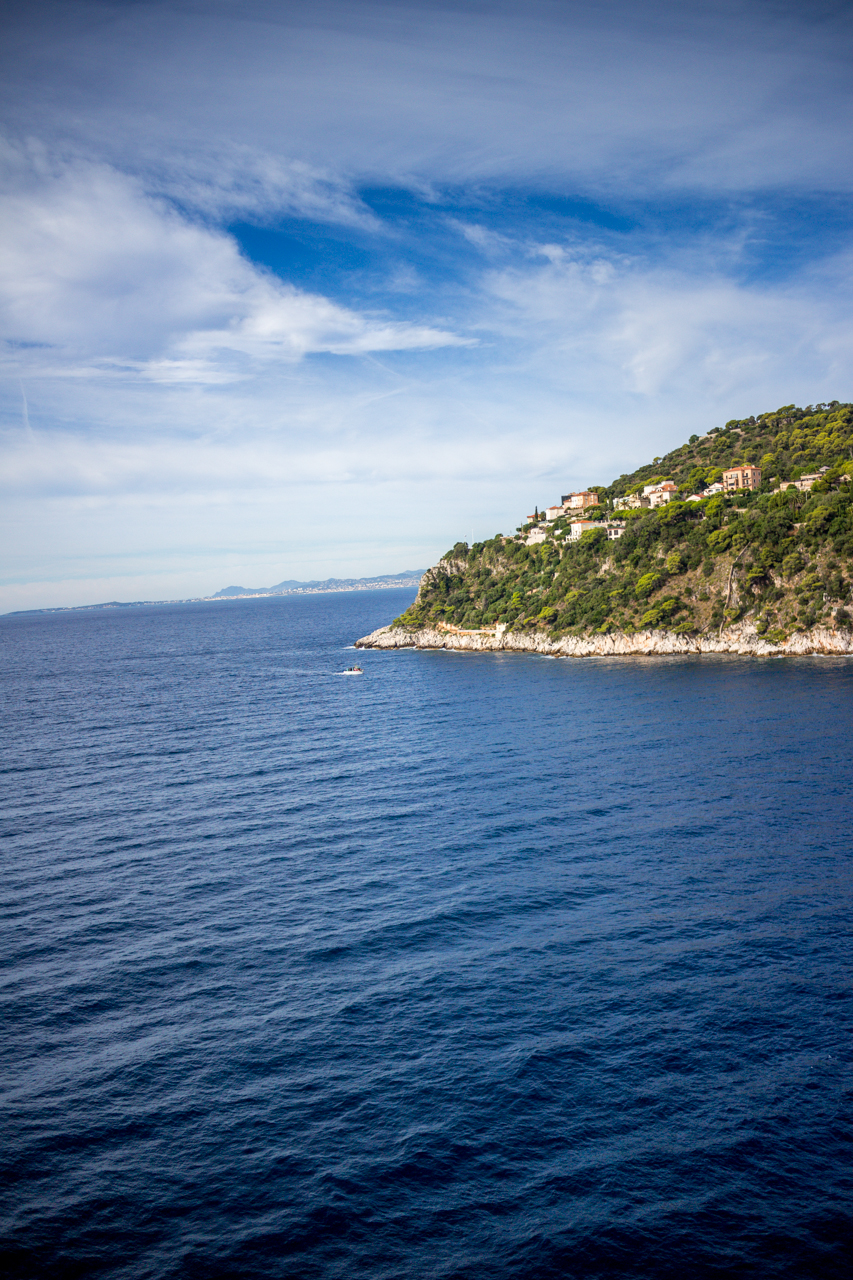 how to travel to nice from villefranche