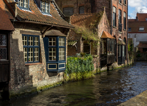 Amazing old buildings lining the canals in Bruges