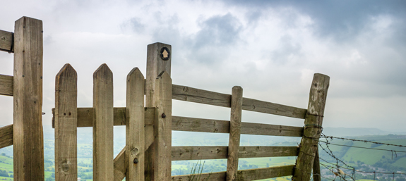 A gateway sectioning the Mam Tor Bridleway