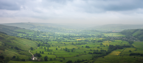 Hope Valley and the peaks of Mam Tor Bridleway